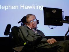 Ünlü fizikçi Stephen Hawking, hayatını kaybetti