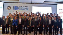 Ertürk, foto muhabirlerini yalnız bırakmadı