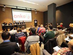 Başkan Yaşar'dan, üniversiteli gençlere demokrasi dersi