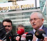 """YSK Başkanı Güven'den İstanbul açıklaması YSK Başkanı Güven;""""Şu an itibarıyla Ekrem İmamoğlu 4 milyon 159 bin 650 bana gelen rakam. Binali Bey'in 4 milyon 131 bin 761 oyu sisteme tanımlanmış vaziyette. İtiraz süreçleri devam ediyor."""" dedi."""